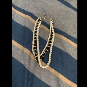 Faux pearl costume necklace